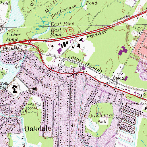 Topographic Map of Oakdale, NY